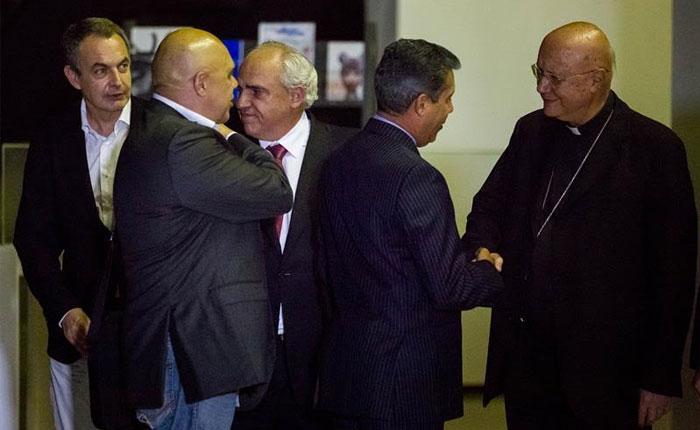 """Informe Otálvora: Vaticano condicionó su presencia en """"diálogo"""" en Venezuela"""