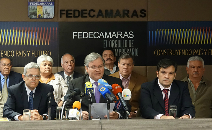 Gremios piden rectificar la política económica del país