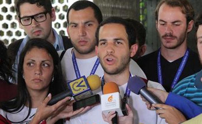 """Hasler Iglesias anunció tres semanas de actividades estudiantiles """"para rescatar la democracia"""""""