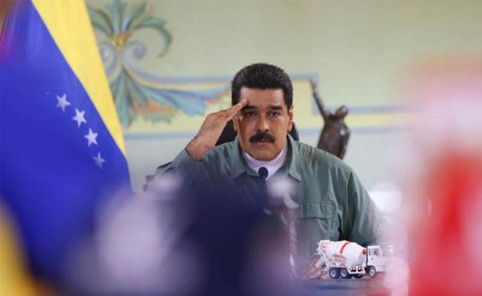 """Maduro insta a la oposición a firmar """"preacuerdo"""" del diálogo porque """"ya todo se habló"""""""