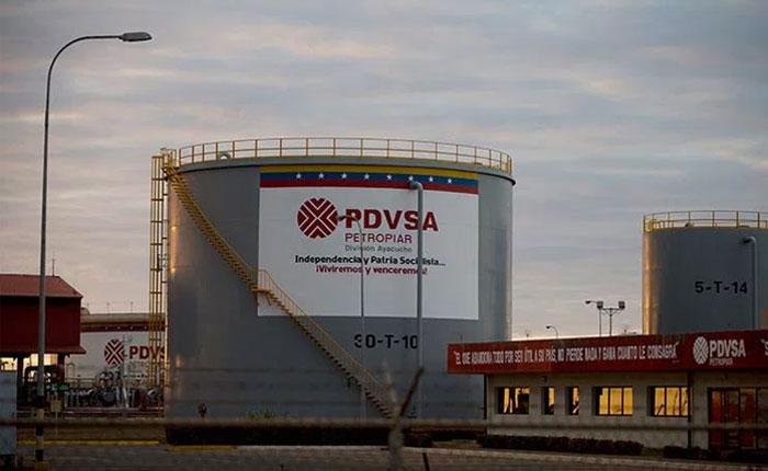 Retraso de Pdvsa en el pago de intereses de sus bonos enciende las alarmas