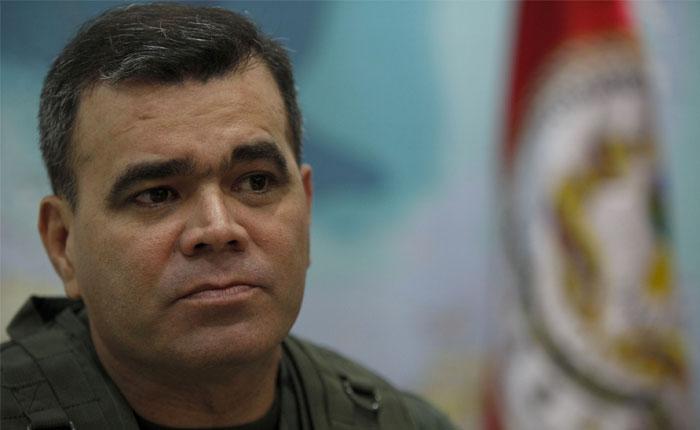 TSJ del exilio notifica a Padrino López sobre suspensión de Maduro como presidente