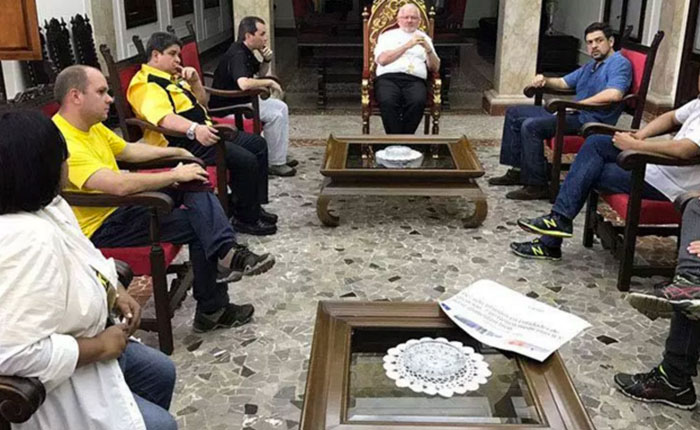 Diputados pidieron al Nuncio interceder por canal humanitario