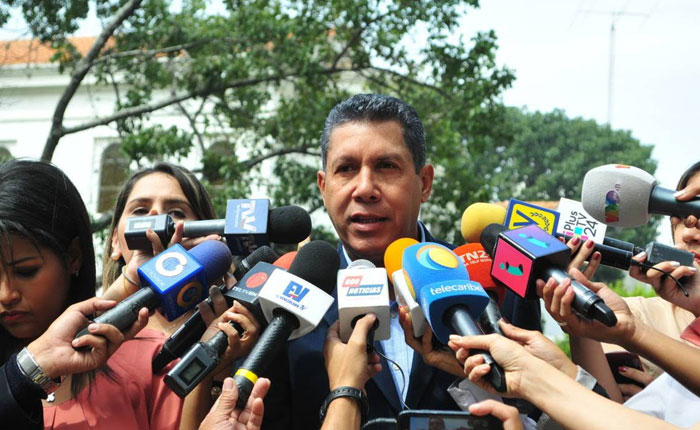 Henri Falcón: Capriles puede representarnos en la próxima fase del diálogo