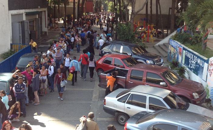 La verdad de la prórroga del billete de 100 bolívares en 12 tuits de @NelsonBocaranda