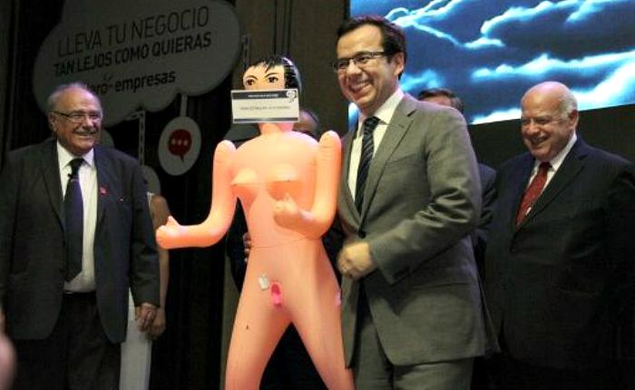 Ministro-Chile-Asexma.jpg
