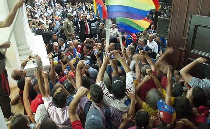 Informe Otálvora: Chavismo suprime al parlamento en Venezuela