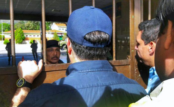 Diputados no pudieron ver a Gilber Caro en Círculo Militar de Naguanagua