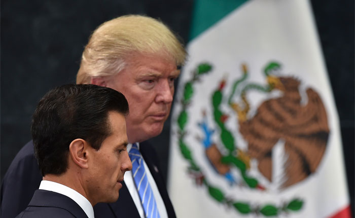 """Trump a Peña Nieto: Si no va a pagar el muro, """"mejor cancele"""" su visita a Washington"""