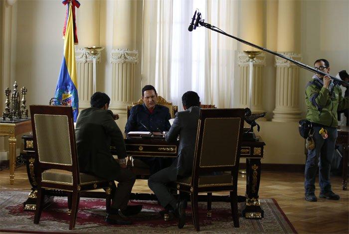 Entre críticas y censura se estrenó <i>El Comandante</i>, una serie que no llegará a Venezuela