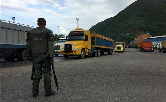 Legisladores de Estados Unidos piden castigar a Marco Torres y Carlos Osorio por corrupción con alimentos