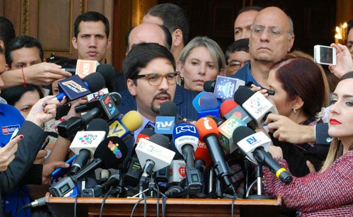 Freddy Guevara: el ataque al diputado Gilber Caro es un ataque a la AN y a todos los venezolanos