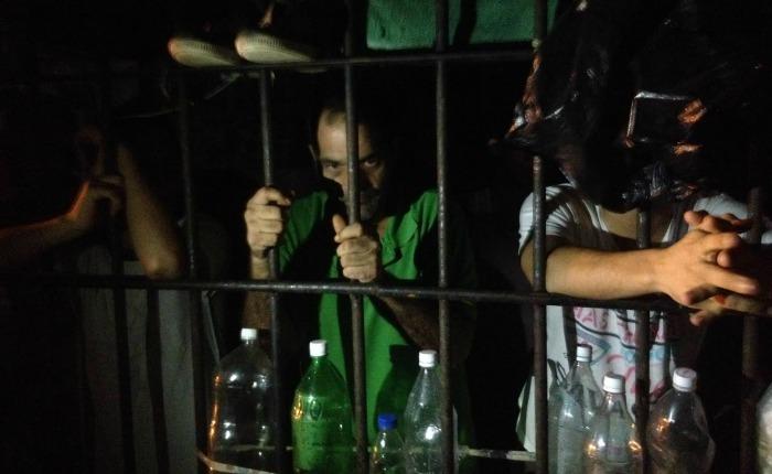 Presos calabozo policial en Charallave