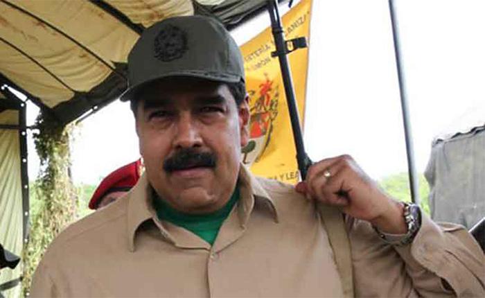 Maduro aprobó recursos para dotar de un fusil a cada miliciano