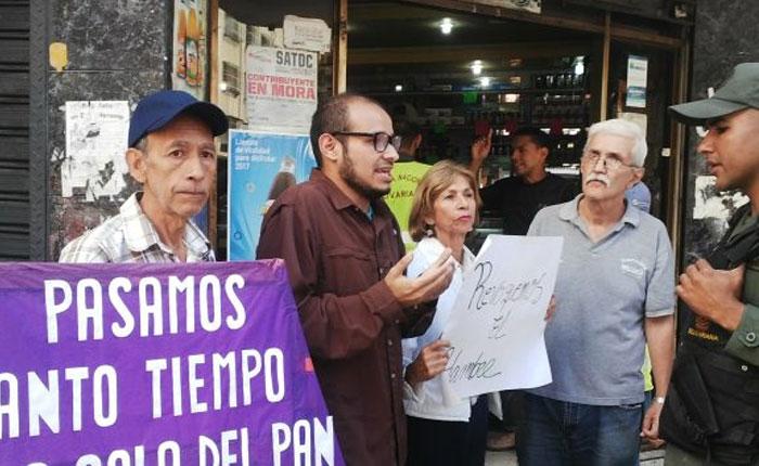 Vecinos de La Candelaria protestaron por escasez de pan