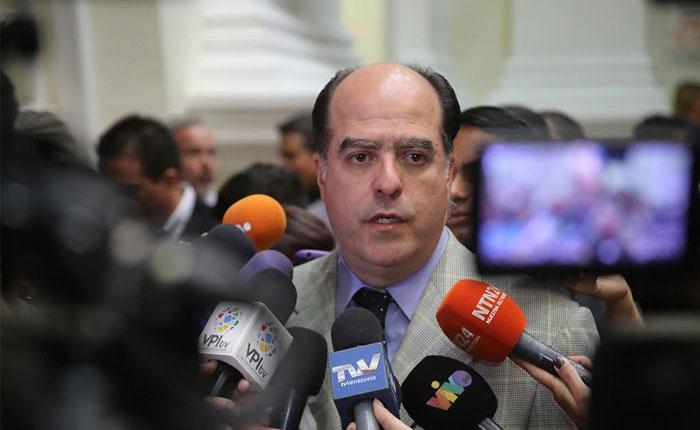 Julio Borges: Ocho de cada diez familias no come completo en el país