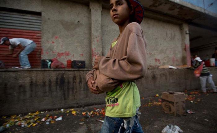 Crisis, gastronomía y nutrición Parte III: De la Venezuela saudita a comer de la basura, por Marianella Herrera Cuenca