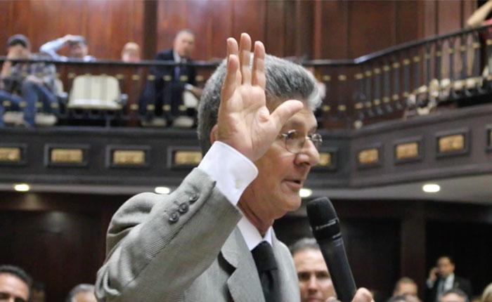 Henry Ramos Allup: Parlamentarios que siguen el juego a artimañas del gobierno van a necesitar su inmunidad parlamentaria