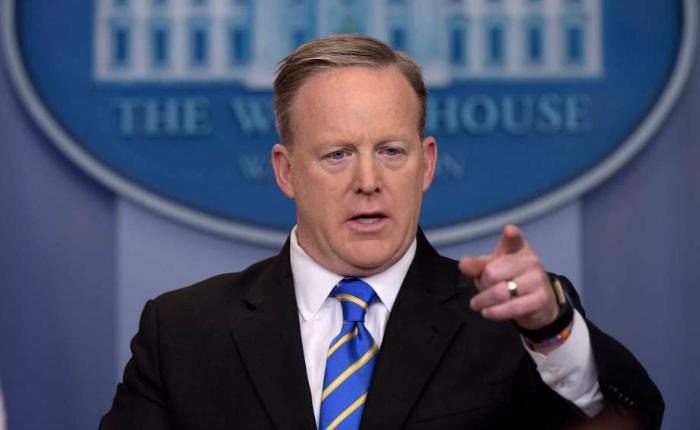 Prohiben entrada de CNN, NYT y otros medios a rueda de prensa en la Casa Blanca