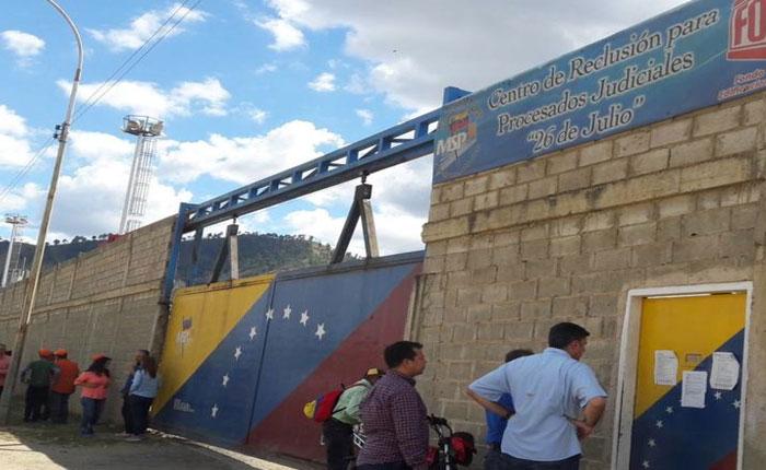 EFE: Las cárceles de Venezuela se sacuden las heridas de un sistema fallido