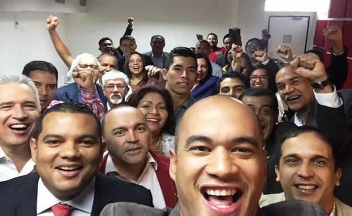 Un mes tienen diputados chavistas sin acudir a la Asamblea Nacional
