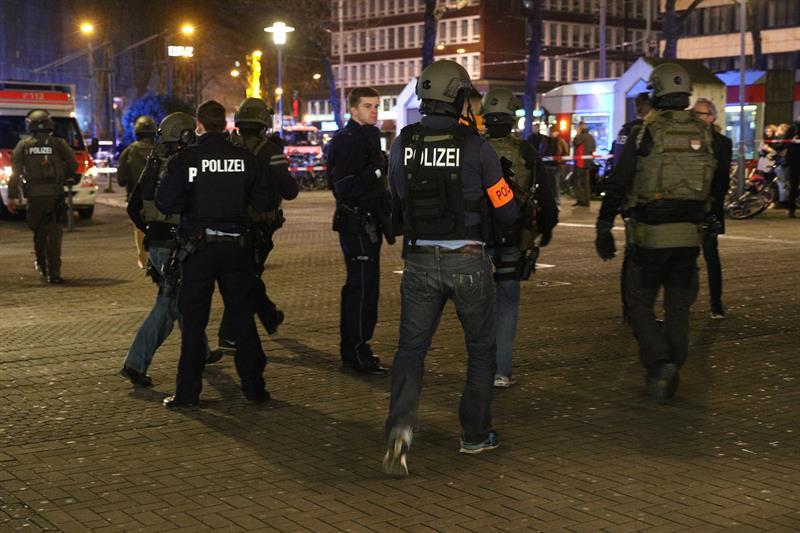 Policía alemana eleva a 9 los heridos tras ataque con hacha en Düsseldorf