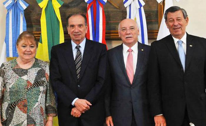 Mercosur acuerda sin Venezuela discutir tratado de libre comercio