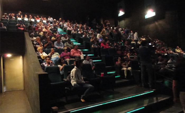 Algo de Cine realizó a sala llena cine foro de CAP 2 Intentos