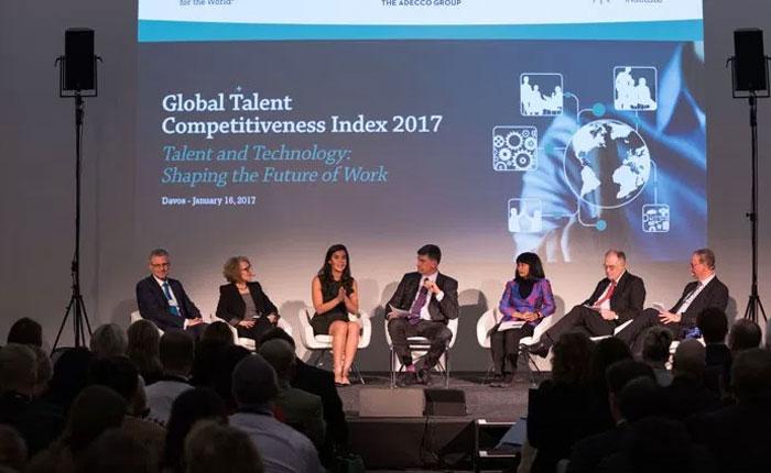 Informe en Foro de Davos: gobierno de Maduro propicia estampida del talento