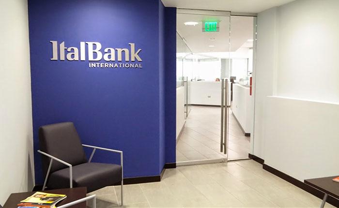 Gobierno acude a pequeña entidad en Puerto Rico para transacciones en dólares