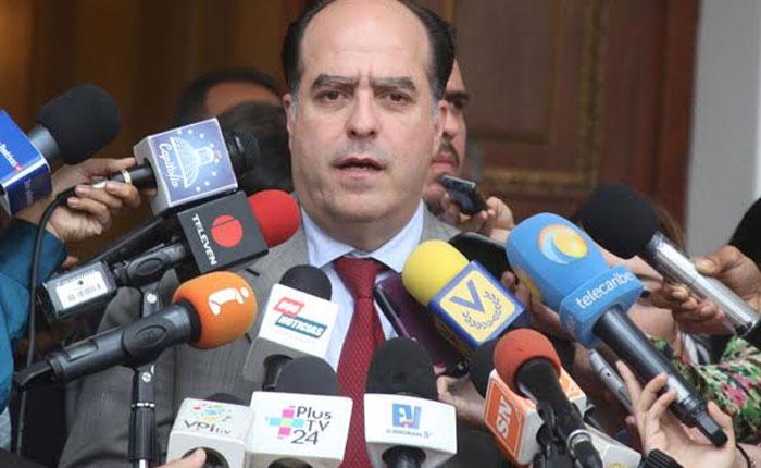 """Julio Borges: """"este Gobierno no aguanta un juicio popular por eso prefiere encerrarse en el TSJ"""""""
