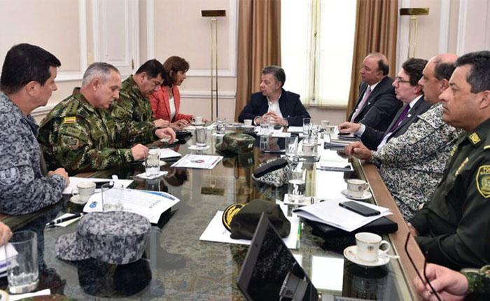 Santos a Maduro: Es inaceptable incursión militar en territorio colombiano