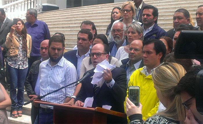 Asamblea Nacional acusa a Nicolás Maduro de dar un golpe de Estado