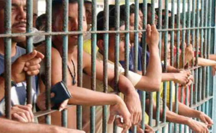 Más de siete mil detenidos esperan por traslado a cárceles en calabozos de la GNB