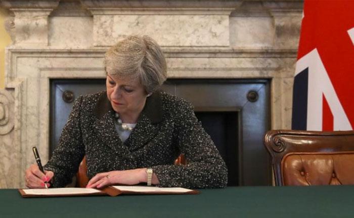 Reino Unido inicia conversaciones para salirse de la Unión Europea