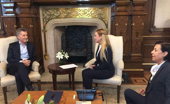 Lilian Tintori y Mauricio Macri piden la activación de la Carta Democrática