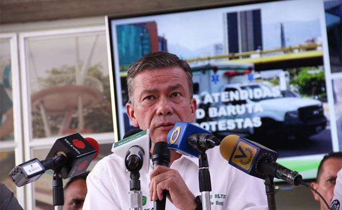 Gerardo Blyde confirmó tres heridos de bala en el pueblo de Baruta durante protesta