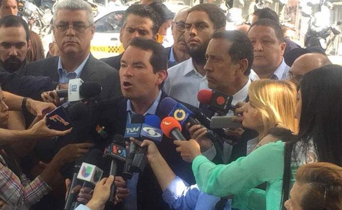 Guanipa y Guerra denuncian en Fiscalía persecuciones del gobierno