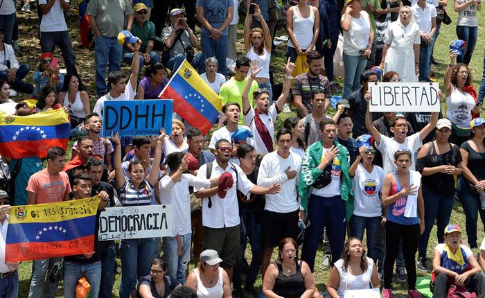 """En Fotos: Así fue el """"Gran Plantón Nacional"""" contra la dictadura"""