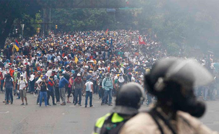 Expresidentes piden a Macri convocar a Unasur para abordar crisis venezolana