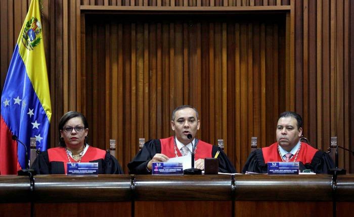 Sobre el retroceso aparente, tímido e insuficiente de la Sala Constitucional del TSJ, por  Juan Manuel Rafalli