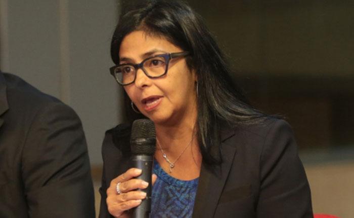 """""""El Estado aplicará justicia en caso de niños que iban a Perú"""": Delcy Rodríguez"""