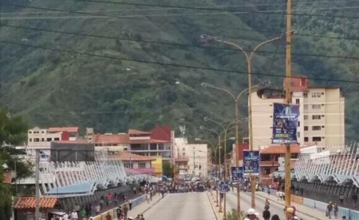 Murió hombre herido en Mérida durante manifestación del #8May
