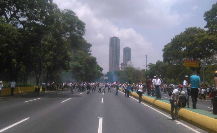 Jornada de protestas de este #19Abr terminó con 57 heridos y más de 400 detenidos