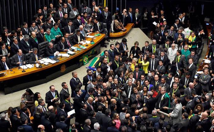 Congreso de Brasil suspendió discusión sobre Venezuela por situación del presidente Temer