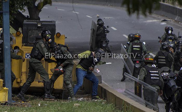 GNB detiene, hiere y roba a periodistas durante manifestaciones de este #31May