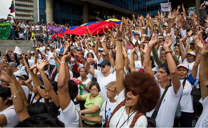 Minuto a Minuto: así va la Gran Marcha contra el fraude de la Constituyente