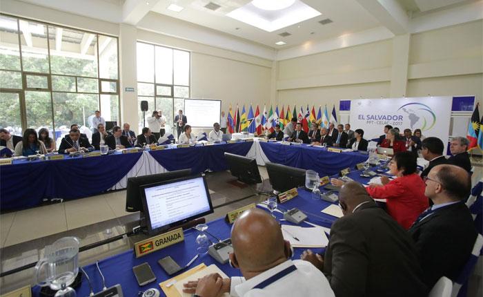 Informe Otálvora: Latinoamérica aísla a gobierno Maduro