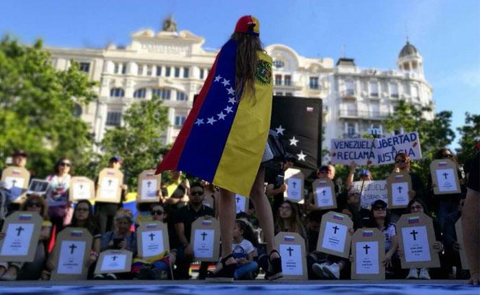 Venezuela implosiona: Estos ciudadanos tuvieron que huir desesperados