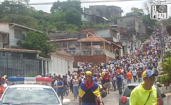 Zurda Konducta usa video guatemalteco para decir que opositores atacaron a chavistas en Táchira
